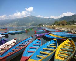 Foto: Lago Fewa em Pokhara, Nepal